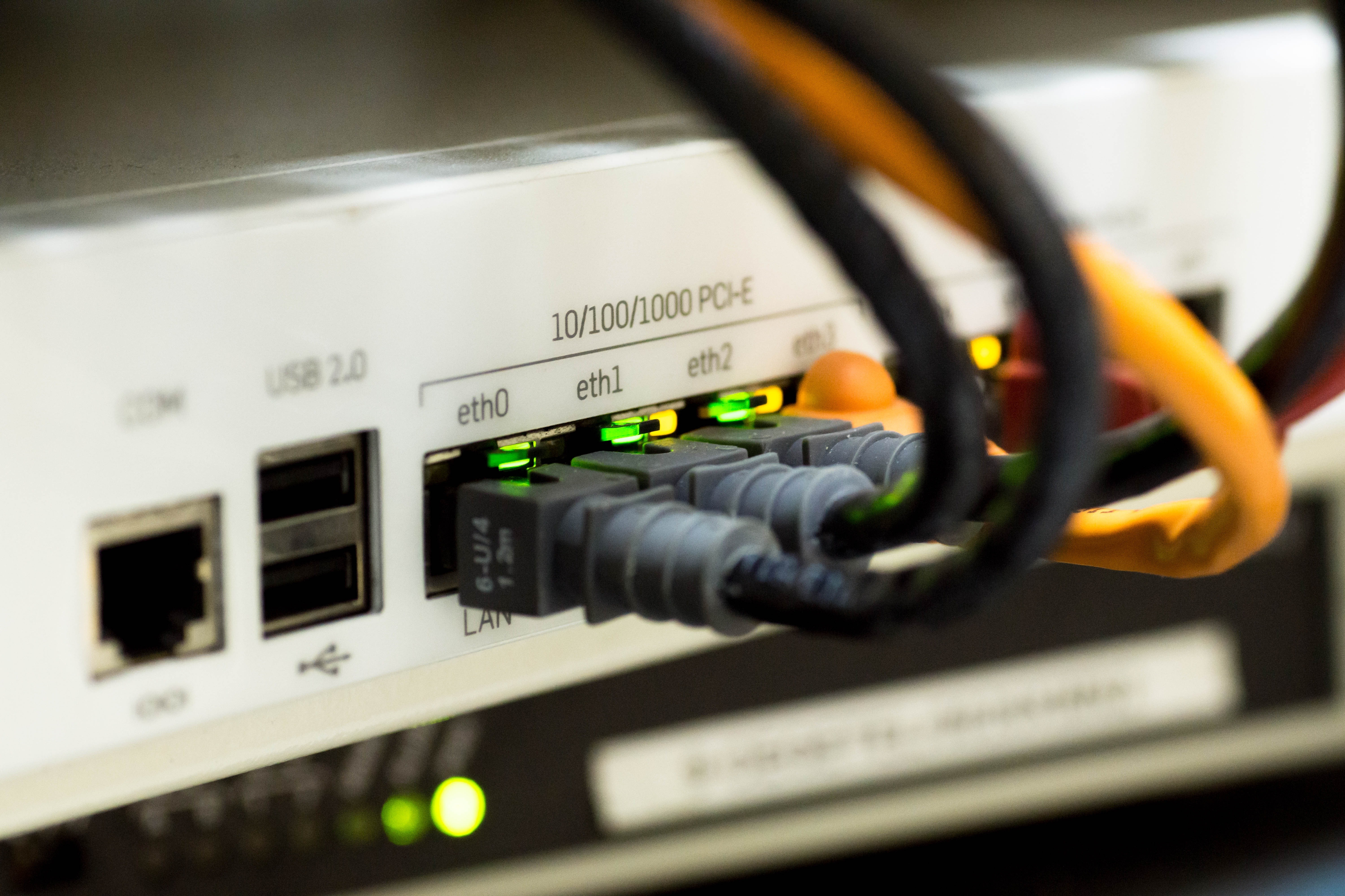 network-cable-ethernet-computer-159304.jpeg__6000x4000_q90_crop_subsampling-2_upscale.jpg